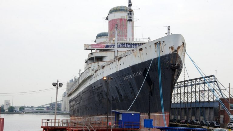 On Tuesday night, two of the city's skyscrapers will light up with messages to rescue the SS United States. (Nathaniel Hamilton/for NewsWorks)