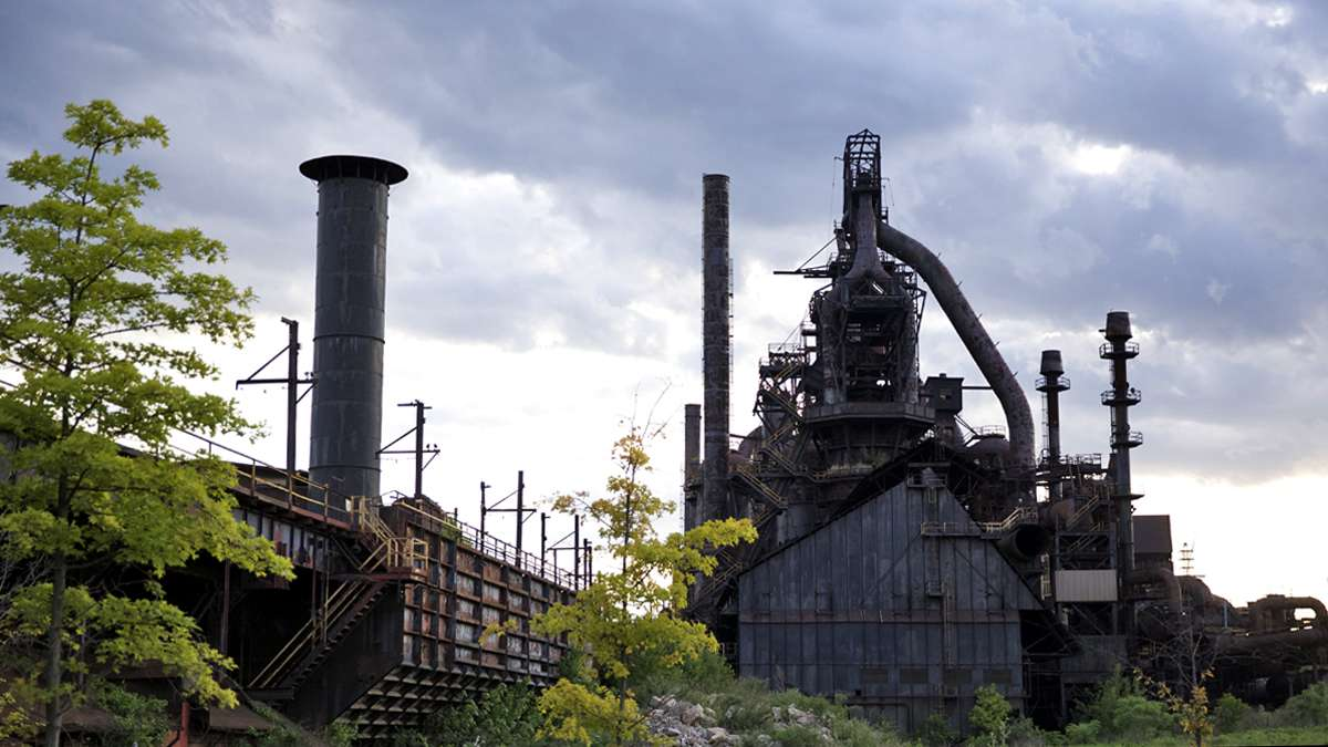 The former blast furnace from the Bethlehem Steel corporation as seen from the parking lot of the Sands Resort Casino. (Lindsay Lazarski/WHYY)