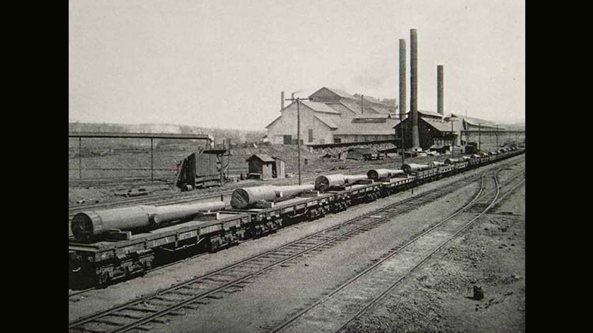 A shipment of seven eight inch and nine ten inch U.S. Army guns are transported from Bethlehem Steel Co. in South Bethlehem, Pa.  (Image courtesy of the Historical Society of Pennsylvania)