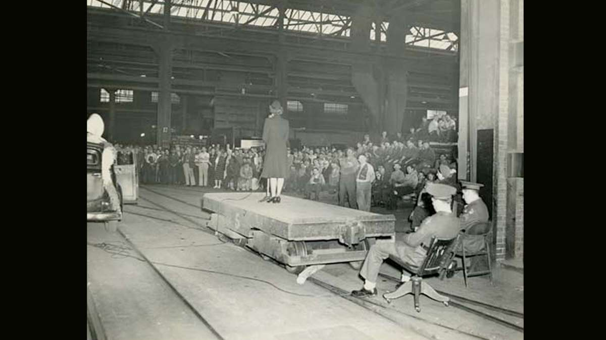 Crowds of Bethlehem Steel workers gather to listen to members of the military speak in September of 1944. (Image courtesy of the Historical Society of Pennsylvania)