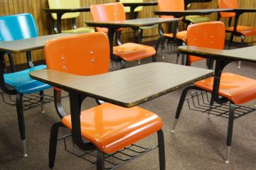 (<a href='https://www.bigstockphoto.com/image-2864623/stock-photo-school-desks'>rob@enteravalon</a>/Big Stock Photo)
