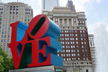 Robert Indiana's Love sculpture (Bigstock/sainaniritu)