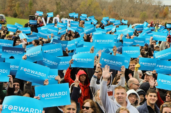 <p>Supporters of President Obama rally for his re-election at Montgomery Community College in Blue Bell, Pa. (Kimberly Paynter/for NewsWorks)</p>