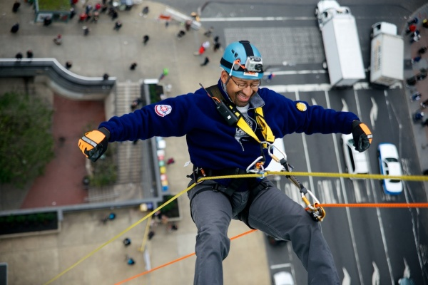 <p><p>Mayor Michael Nutter hangs free more than 230 feet above the ground. (Bas Slabbers/for NewsWorks)</p></p>