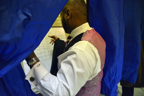 <p><p>Fourth District Councilman Curtis Jones, Jr. casts his vote at the Pinn Memorial Church in West Philadelphia. (Bas Slabbers/for NewsWorks)</p></p>