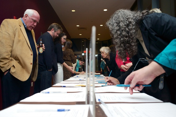 <p><p>The silent auction featuring items from local businesses and organizations was held throughout the evening. (Bas Slabbers/for NewsWorks)</p></p>
