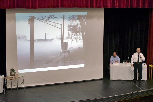 <p>&lt;p&gt;Paulsboro Fire Chief Alfonso Giampola shows a photo taken by first responders of the chemical fog on the morning of the accident. (Bas Slabbers/for NewsWorks)&lt;/p&gt;</p>