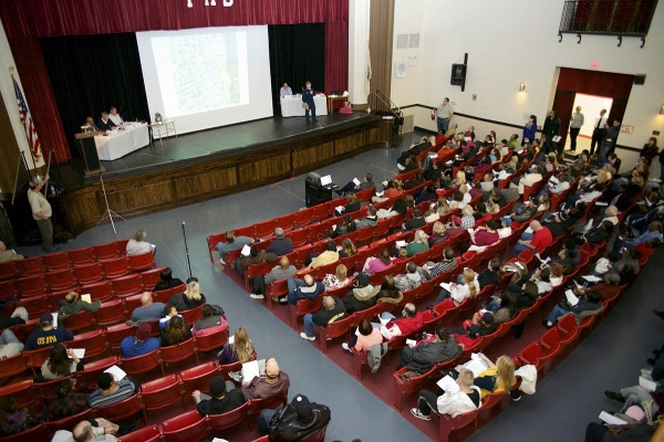 <p>&lt;p&gt;The meeting was held at the auditorium of the Paulsboro High School. (Bas Slabbers/for NewsWorks)&lt;/p&gt;</p>