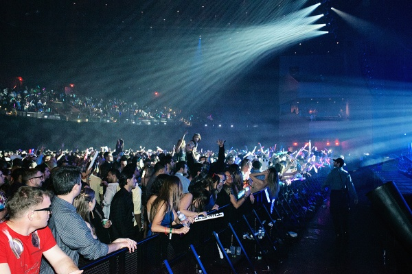 <p>Revelers pack the Revel Nightlife's entertainment venue Ovation Hall at a New Years Eve live performance of DJ Tiesto. (Bas Slabbers/for NewsWorks, file)</p>