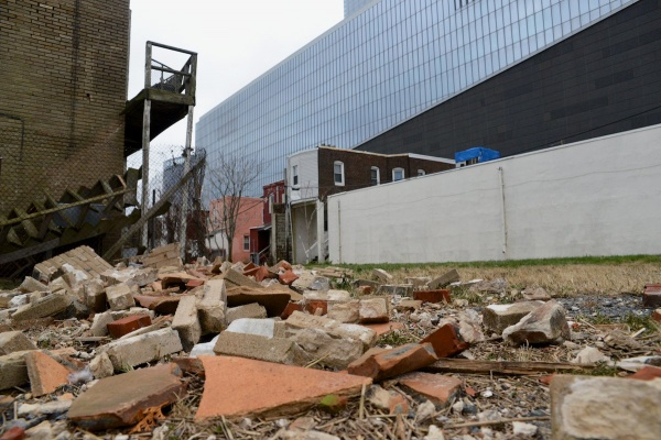 <p>4:45pm - A chimney came down at an onoccupied dweling next to the Revell Casino. (Bas Slabbers/for NewsWorks)</p>