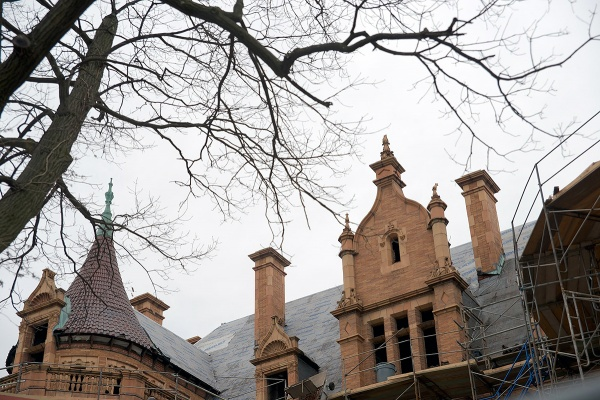 <p><p>The dozen chimney stacks that sit on the roof only have an ornamental function. (Bas Slabbers/for NewsWorks)</p></p>