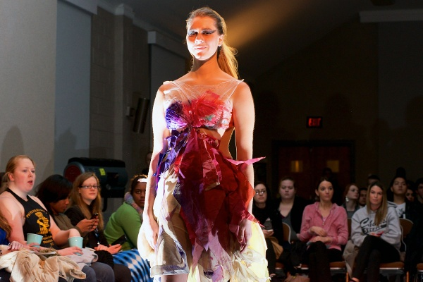 <p>&lt;p&gt;Hannah shows a colorful dress with shreds of paper by Shannon Mckernan. (Bas Slabbers/for NewsWorks)&lt;/p&gt;</p>