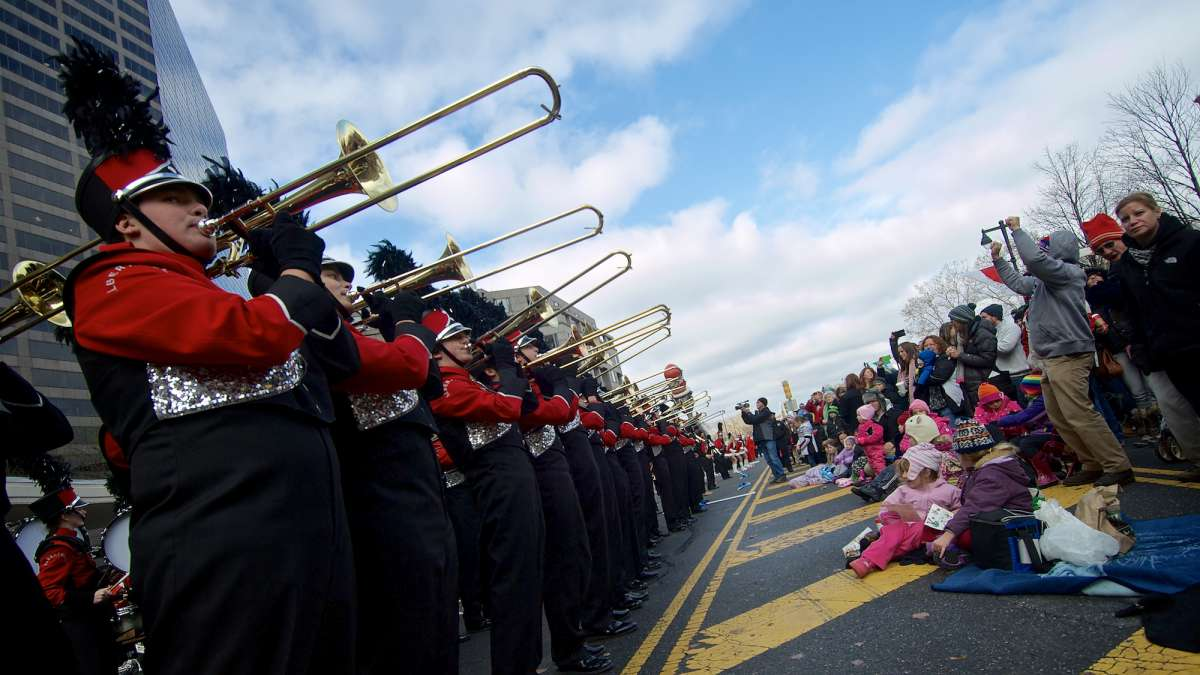 A marching band performed for the crowds on the Parkway. (Bas Slabbers/for NewsWorks)