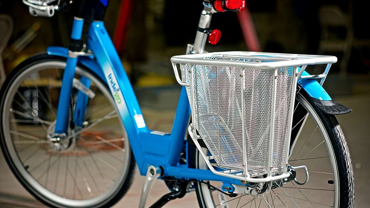 Sturdy aluminum carriers are mounted at the rear of the bike. (Bastiaan Slabbers/for NewsWorks)