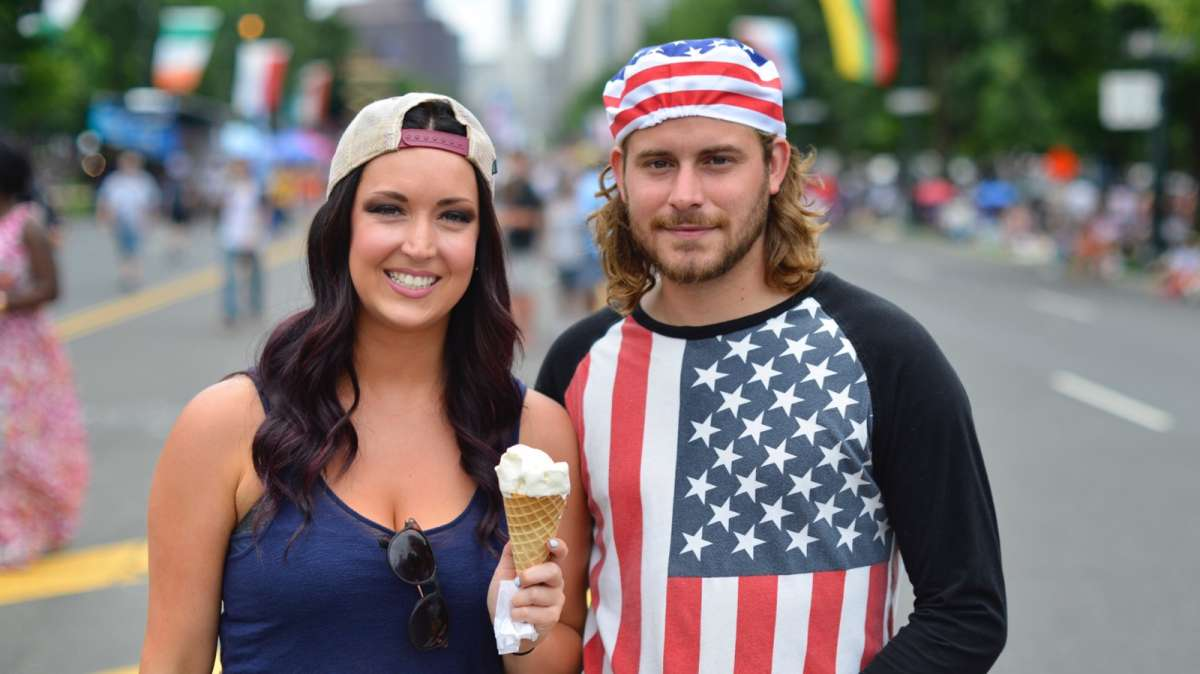 Megan McHugh and Joe Torok stop for a photo as they enjoy a stroll down the Ben Franklin Parkway.