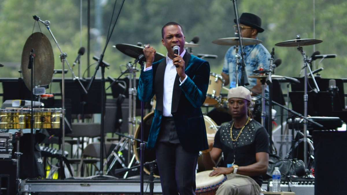 Hamilton star Leslie Odom Jr. performs during the Wawa Welcome America 4th of July Celebration on the Parkway.