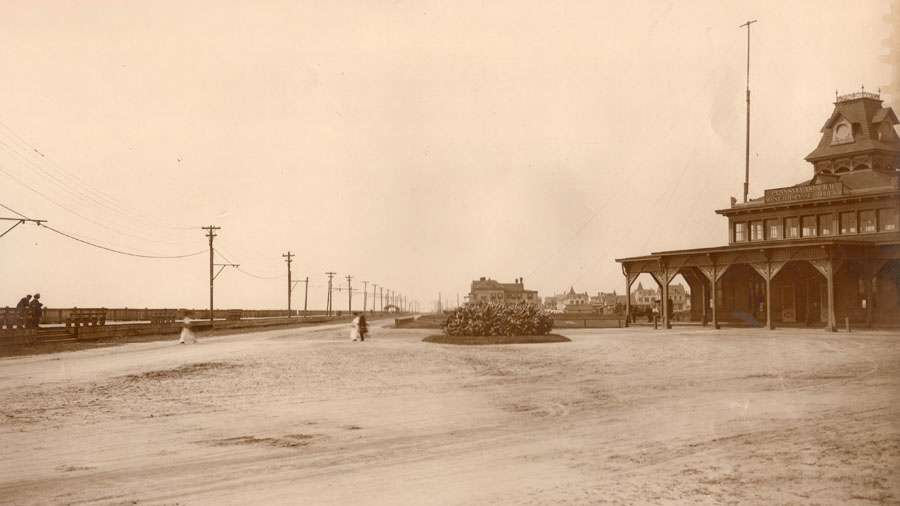 The Pennsylvania Railroad station at Beach Avenue and Grant Street. (Richard Gibbs Collection)