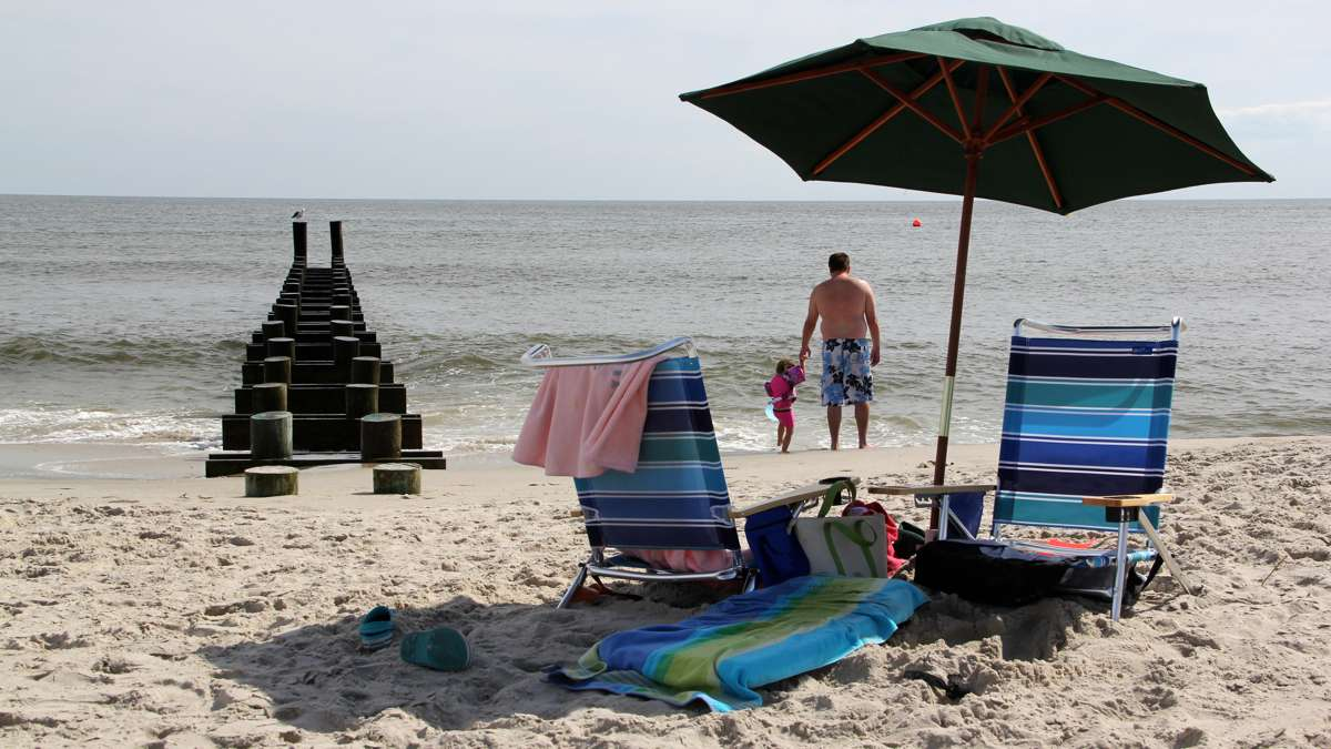 Today no piers remain on the beaches of Cape May. (Emma Lee/WHYY)