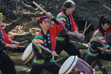 The KyoDaiko drummers perform at the Japanese House and Garden at Fairmount Park to celebrate the launch of the Cherry Blossom Festival. (Emma Lee/for NewsWorks)