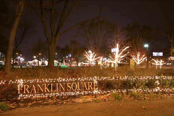 <p>&lt;p&gt;The decorated trees of Franklin Square, at 6th and Race streets in Philadelphia, sparkle at night.&#xA0;(Nathaniel Hamilton/for NewsWorks)&lt;/p&gt;</p>