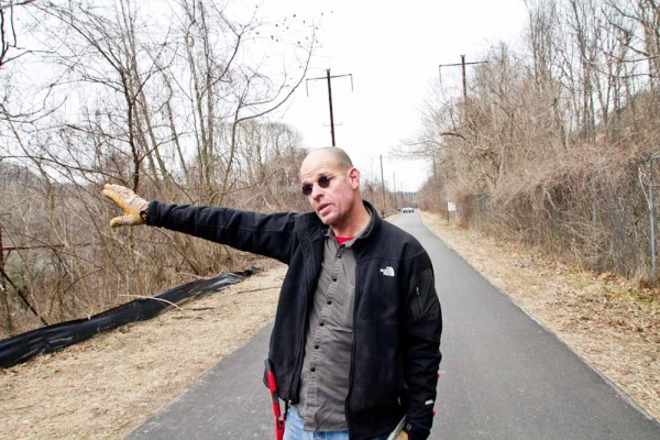 <p>&lt;p&gt;Tom Landsmann explains how the Schuylkill River Bike Trail was recently widened and the importance of keeping vines and other invasive plants at bay. (Brad Larrison/For NewsWorks)&lt;/p&gt;</p>