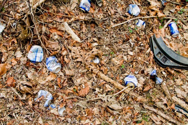 <p>&lt;p&gt;Cleanup at Germany Hill in Manayunk involved picking up trash and beer cans left along a trail. (Brad Larrison/For NewsWorks)&lt;/p&gt;</p>