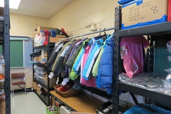 <p>&lt;p&gt;Canned goods, non-perishable items and winter coats are staples at Colonial School District's food pantries (Shirley Min/WHYY)&lt;/p&gt;</p>