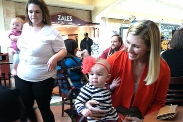 <p><p>About 15 moms and their babies attended Sunday's nurse-in at the Concord Mall (Shirley Min/WHYY)</p></p>