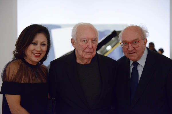 "<p><p>Sueyun Locks, Philadelphia Museum of Art trustee (left), artist Jasper Johns, whose work is featured in the museum's current exhibition ""Dancing around the Bride,"" and Philadelphia Museum of Art senior curator Joseph Rishel (Photo courtesy of Kelly & Massa Photography)</p></p>"