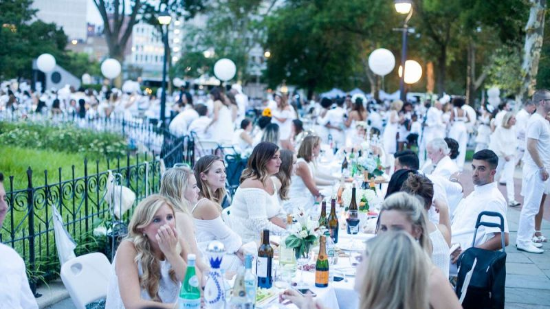 The sixth annual Dîner en Blanc came to Franklin Square Thursday evening. With an estimated 5,300 in attendance it was the largest Diner en Blanc event ever held in the United States. (Brad Larrison for NewsWorks)