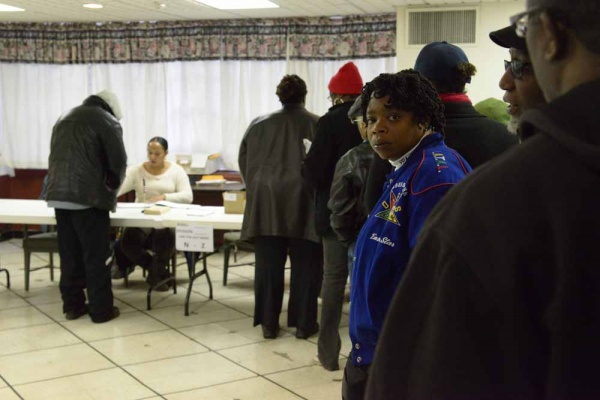<p><p>The line begins to grow at Pinn Memorial Baptist Church at 7:30 a.m. on Tuesday. (Bas Slabbers/for NewsWorks)</p></p>