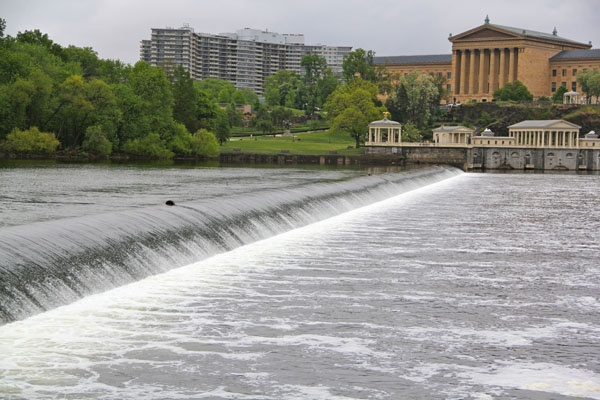 The Fairmount Dam is a barrier to fish who would swim upstream to spawn. The fish ladder allows them to complete their life cycle on the Schuylkill River. (Emma Lee/for NewsWorks)