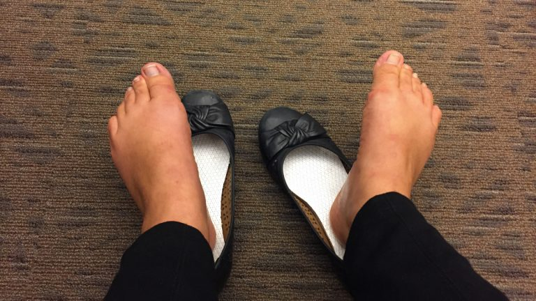 4ecc612c4fd5 Ballerina flats are the worst shoes to wear if you want to prevent sweaty