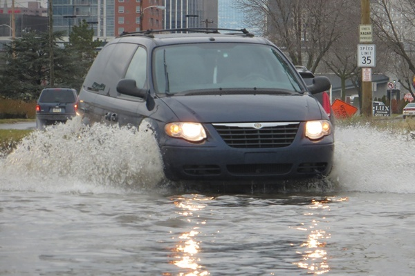 <p><p>Drivers didn't have much trouble obeying the 35 mph speed limit on S. Market St. (Mark Eichmann/WHYY)</p></p>
