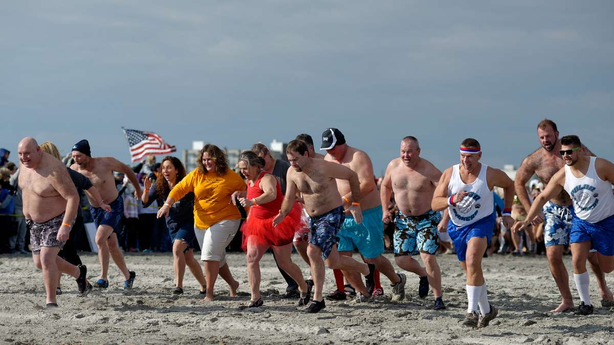 The first plungers are off. (Bastiaan Slabbers/for NewsWorks)