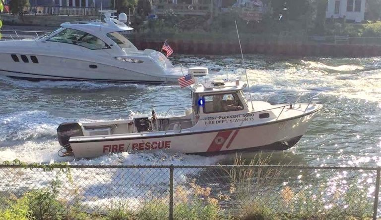 A Point Pleasant Borough Fire Rescue boat in the Point Pleasant Canal in 2016. (Image: Kim Ormsby/Point Pleasant Fire Department Station 75)