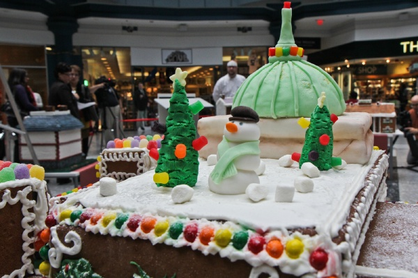 <p>James Rodenbaugh of Br?l?e Catering created this gingerbread replica of the Please Touch Museum including the building's iron and glass dome. (Kimberly Paynter/for NewsWorks)</p>