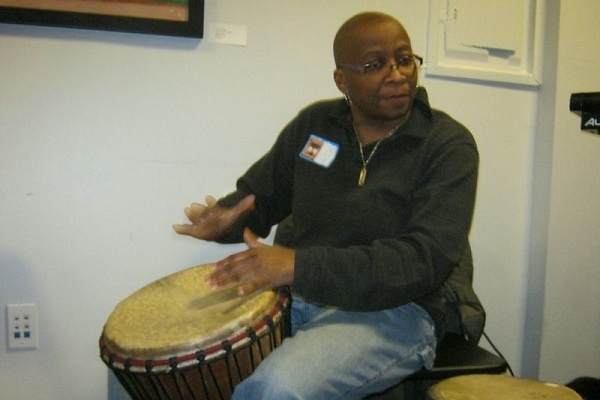 <p><p>Drummer Karen Smith entertained the crowd at the Germantown Artists Roundtable's networking event on Sunday. (Alaina Mabaso/for NewsWorks)</p></p>