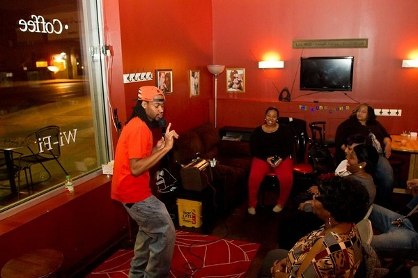 <p>&lt;p&gt;Ken Jones performed as the first of two openers Tuesday at the Wired Beans Cafe. (Brad Larrison/for NewsWorks)&lt;/p&gt;</p>