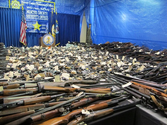 <p>More than 2600 guns collected at buyback program in Trenton. (Phil Gregory for NewsWorks)</p>