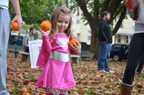 <p>&lt;p&gt;A miniature Superwoman participates in the pumpkin toss at Pretzel Park. (Zach Shevich/for NewsWorks)&lt;/p&gt;</p>