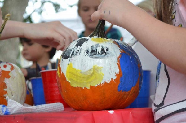 <p>&lt;p&gt;Children got creative with pumpkin painting art at Pretzel Park in Manayunk this weekend. (Zach Shevich/for NewsWorks)&lt;/p&gt;</p>