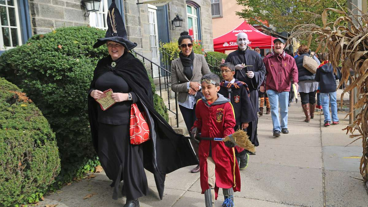 Visitors were able to enjoy Potter activities up and down Germantown Avenue (Natavan Werbock/for NewsWorks)