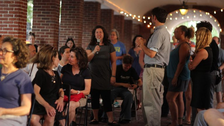 An estimated 100 people attended a community meeting in Headhouse Square addressing concerns over the district's homeless population. (Emily Scott/for NewsWorks)