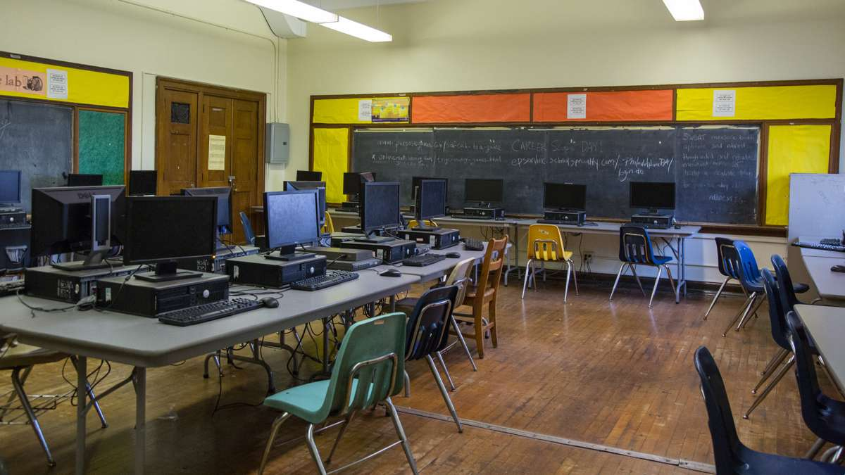The lone computer lab at Overbrook High School hasn't been updated in at least 5 years according to the principal. (Emily Cohen for NewsWorks)