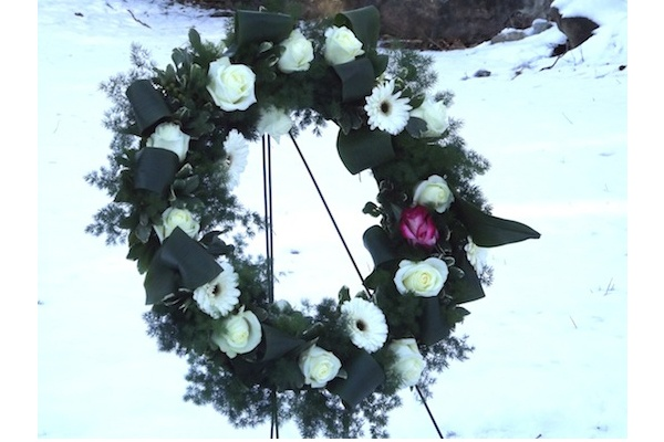 <p><p>A wreath was placed to honor Hannah Atkinson and the unknown slaves who are also buried in the graveyard. (J. Woods/NewsWorks)</p></p>