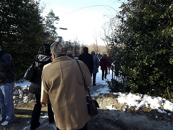 <p><p>Following the service visitors walked to the cemetary for a brief wreath laying cemremony.  (J. Woods/NewsWorks)</p></p>
