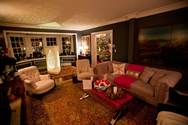<p><p>One of many decorated rooms in a home that was open to the public for the Chestnut Hill Holiday House Tour. (Brad Larrison/for NewsWorks)</p></p>