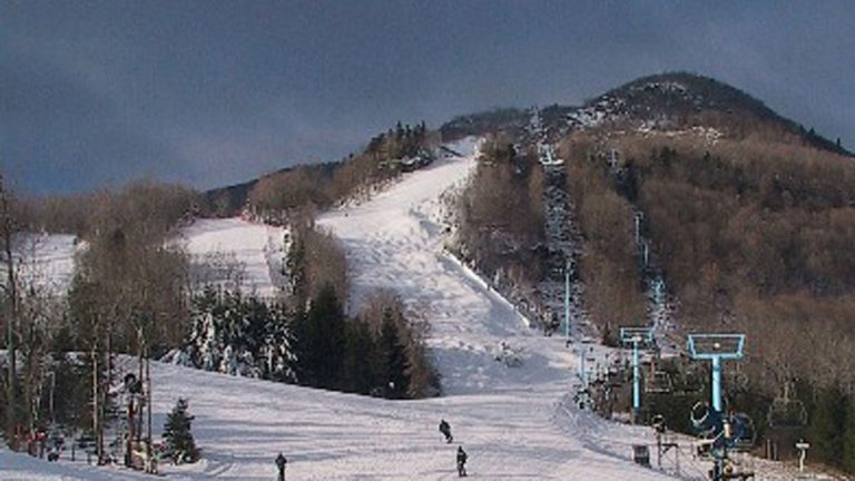 Hunter Mountain ski area opened in New York state in 1960. (Photo courtesy of  Ryssby at the English language Wikipedia, CC BY-SA 3.0)