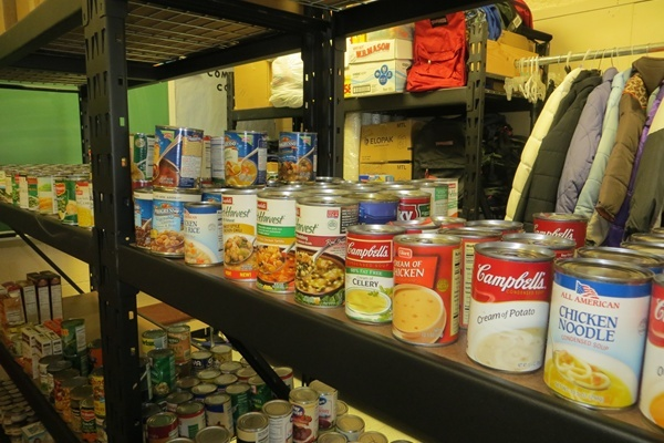 Canned goods and non-perishable items. (Shirley Min/WHYY)